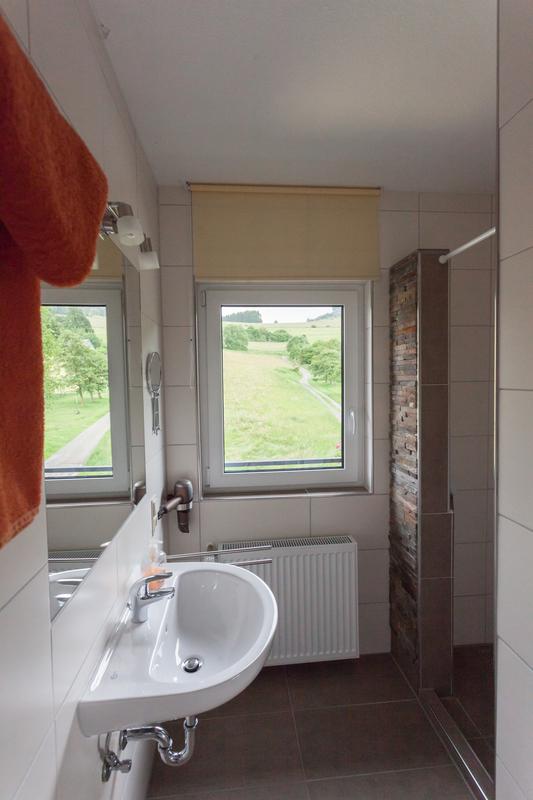 Ferienwohnung Studio Standard - Badezimmer